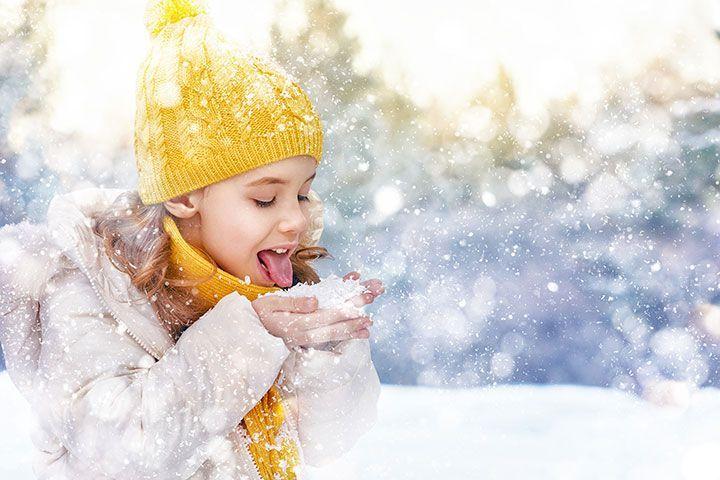 Девочка на прогулке зимой